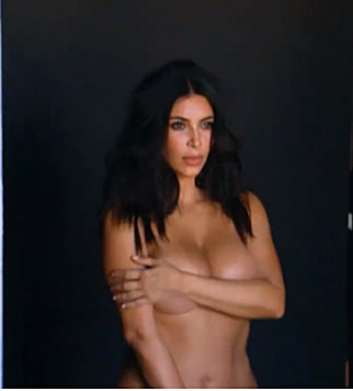 Nach der Geburt von Töchterl North zeigt sich Kim Kardashian am liebsten nackt. (Bild: Viennareport)