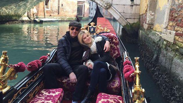 Larissa und Whitney beim romantischen Trip nach Venedig (Bild: facebook.com/larissa.marolt.7)