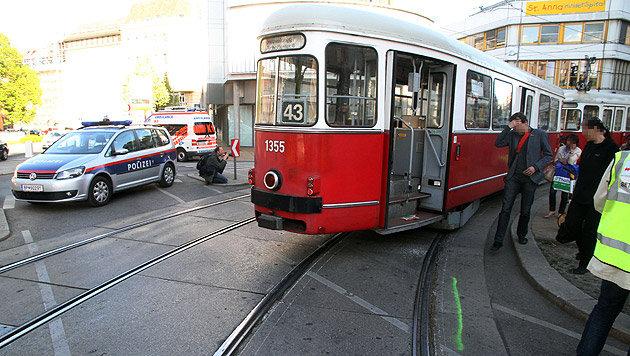 Straßenbahnen touchierten - zwölf Leichtverletzte (Bild: Andi Schiel)