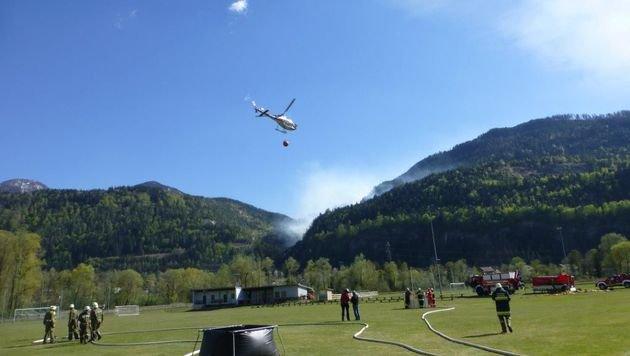 In Oberdrauburg hat sich die Lage entspannt. Dort wurden letzte Nachlöscharbeiten durchgeführt. (Bild: FF Oberdrauburg)