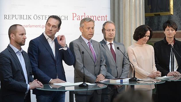 Die Klubchefs der Parlamentsparteien bei der von der Türkei kritisierten Erklärung am Mittwoch (Bild: APA/Robert Jäger)