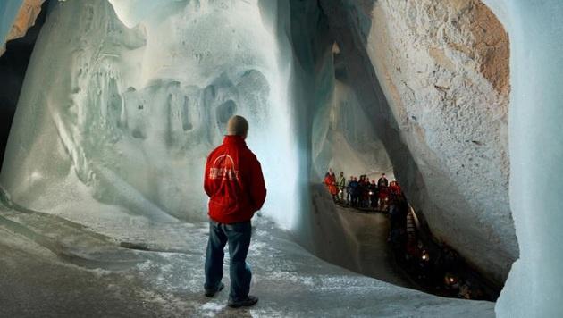 Die Eisriesenwelt ist von Mai bis Oktober geöffnet. Die Besucher bekommen spektakuläre Einblicke. (Bild: Eisriesenwelt)