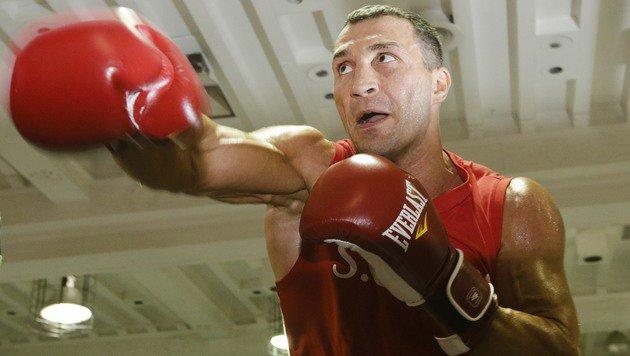 Klitschko an WBC-Vereinigungskampf interessiert (Bild: AP)