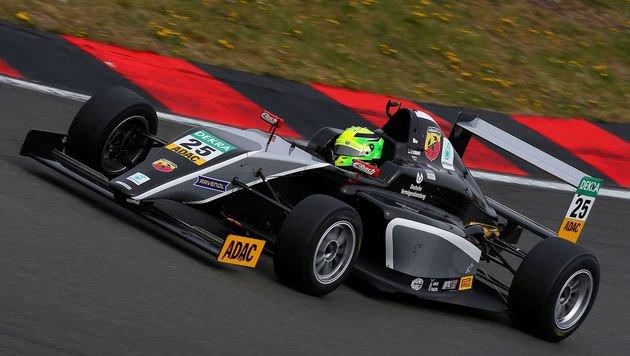 Schumacher-Sohn Mick mit starkem Debüt in Formel 4 (Bild: AFP)