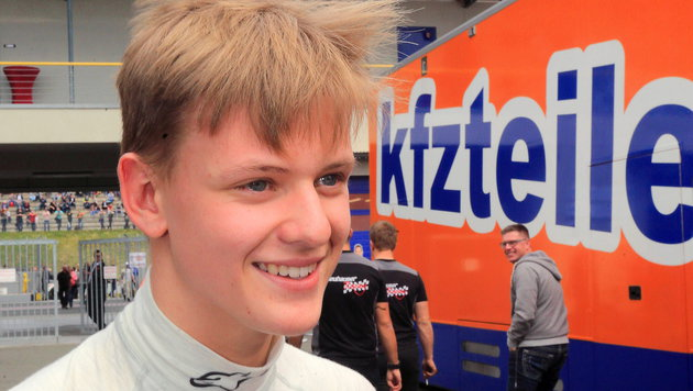 Schumacher-Sohn Mick mit starkem Debüt in Formel 4 (Bild: APA/EPA/JENS¦WOLF)