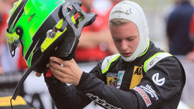 Testfahrten in Formel 3: Schumi-Sohn startet durch (Bild: APA/EPA/JENS¦WOLF)