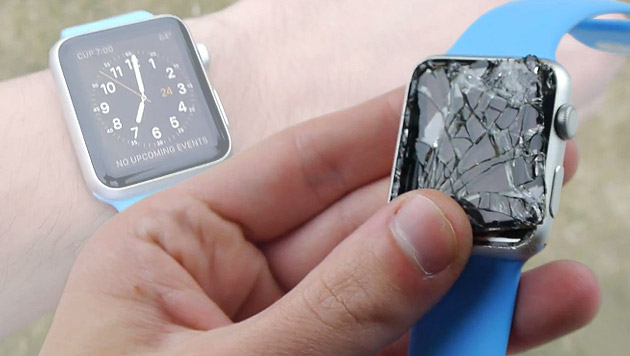 Video: Apple Watch Sport versagt in Fall-Test (Bild: YouTube.com)