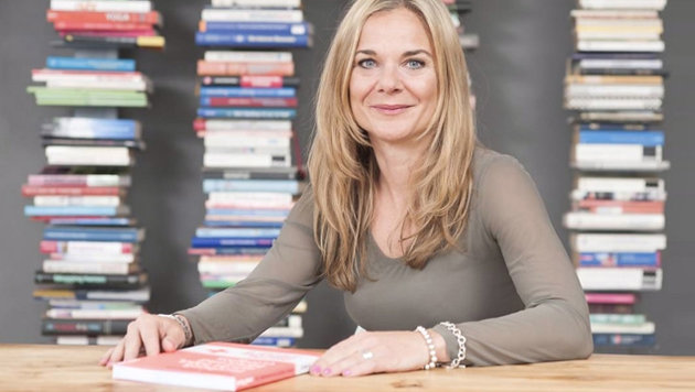 Anitra Eggler hat zwei Selbsthilfebücher für Internet-Junkies geschrieben. (Bild: anitra-eggler.com)