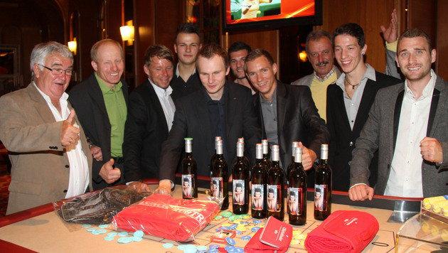 Lotto-König Hubert Scheer (links) mit Freunden (Bild: Sepp Pail)