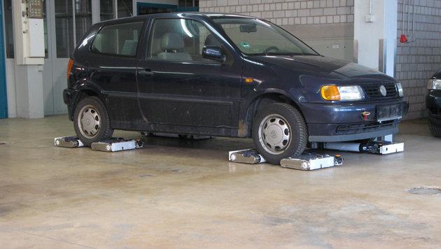 Flache Roboter sollen Falschparker abschleppen (Bild: avertproject.eu)