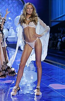 Auch die Holländerin Romee Strijd wird in den Kreis der Engel aufgenommen. (Bild: Victoria's Secret)