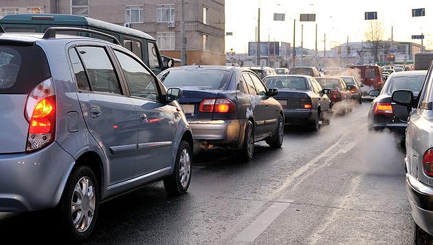 Bei schlechter Luft und Lärm steigt der Blutdruck (Bild: thinkstockphotos.de)