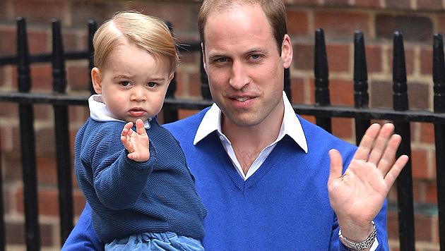Prinz George und Prinz William (Bild: APA/EPA/HANNAH MCKAY)
