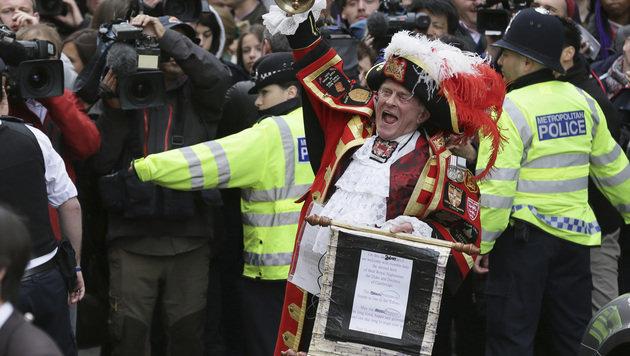 Prinzessin Charlotte verlässt London (Bild: AP)
