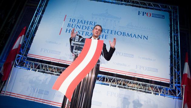 """FPÖ feiert 10 Jahre Strache: """"Erst der Anfang"""" (Bild: APA/GEORG HOCHMUTH)"""