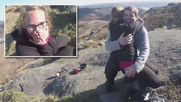 Fünfjähriger hilft Vater bei Antrag an Freundin (Bild: YouTube.com)