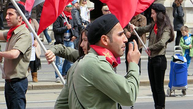 1. Mai in Wien: Terror-Freunde marschierten mit (Bild: Hobek)
