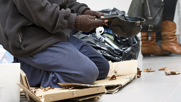 56-Jährigen zum Betteln gezwungen - Paar in Haft (Bild: thinkstockphotos.de (Symbolbild))