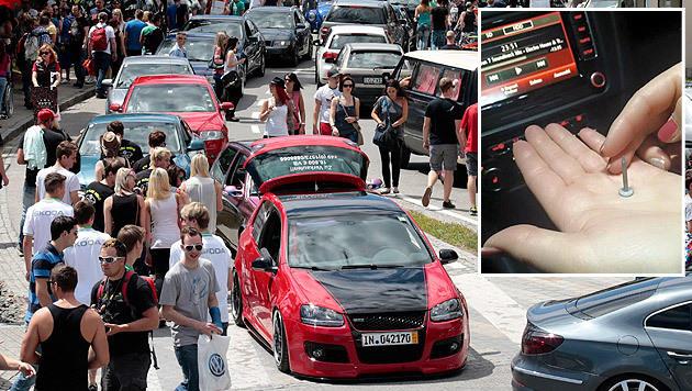 Einige Anrainer wollen die GTI-Fans mit Nägeln auf der Fahrbahn von ihrem Treffen abhalten. (Bild: APA/GERT EGGENBERGER, Facebook)