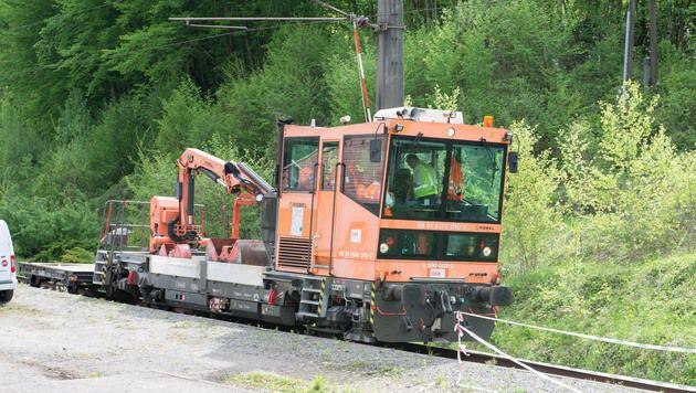 Zwei Baumaschinen wie diese stießen zusammen. (Bild: Werner Kerschbaummayr, fotokerschi.at)