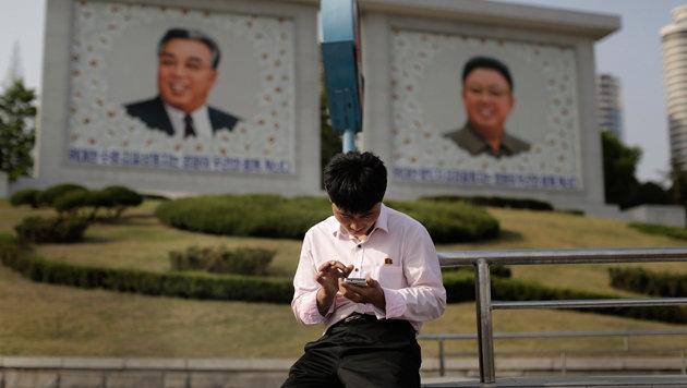 Menschen mit Smartphones erblickt man in Pjöngjang immer noch sehr selten. (Bild: AP)
