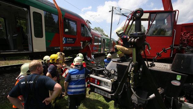 Zugunglück nördlich von Graz: Lokführer tot (Bild: Sepp Pail)