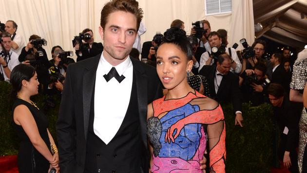 Robert Pattinson ist mit FKA twigs verlobt. (Bild: Evan Agostini/Invision/AP)