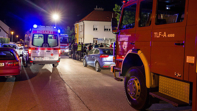 Rettung und Feuerwehr rückten zu dem Großeinsatz aus. (Bild: Pressestelle Bezirksfeuerwehrkommando/Stefan Schneider)