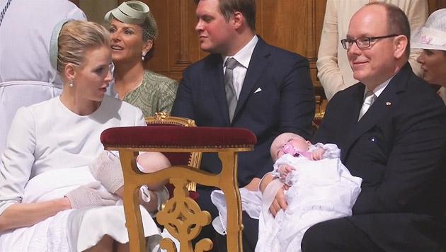 Albert und Charlene bei der Taufe der Zwillinge (Bild: YouTube.com)