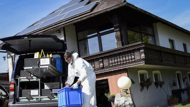 In diesem Haus in Lichtenberg wurde das Paar tot aufgefunden. (Bild: APA/ALEXANDER SCHWARZL)