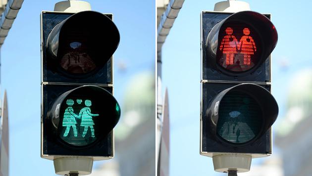 """Die Ampelpärchen gibt""""s jetzt auch in Linz (Bild: APA/ROLAND SCHLAGER)"""