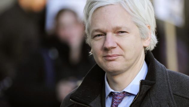 Ecuador begründet Internet-Verbot für Assange (Bild: APA/EPA/FACUNDO ARRIZABALAGA)