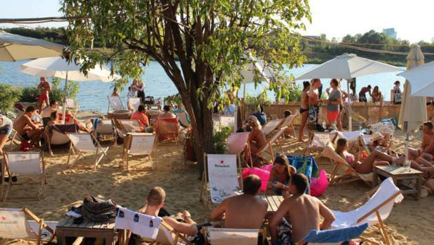 """Chillen in der Sonne: Beach-Clubs im Test (Bild: facebook.com/vcbc.at)"""