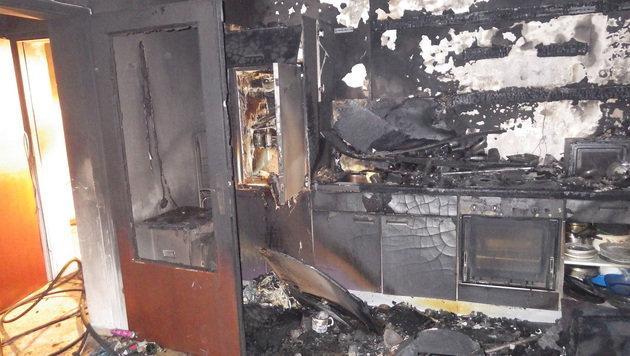 In dieser Wohnung im Erdgeschoß brach das Feuer aus. (Bild: FF Braunau)
