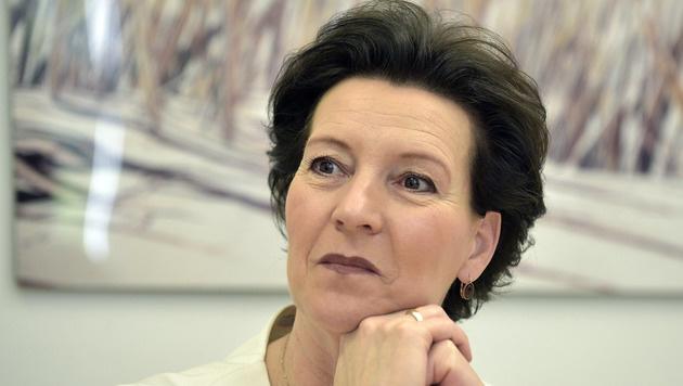 SPÖ-Frauen: Nur knapp 74% für Heinisch-Hosek (Bild: APA/HANS PUNZ)