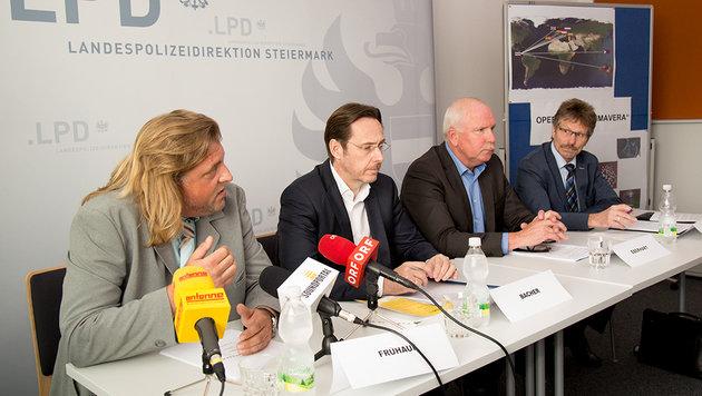 Andreas Frühauf, Hans-Jörg Bacher, Alois Eberhart und Gerhard Stadler bei der Pressekonferenz (Bild: LPD/Makowecz)