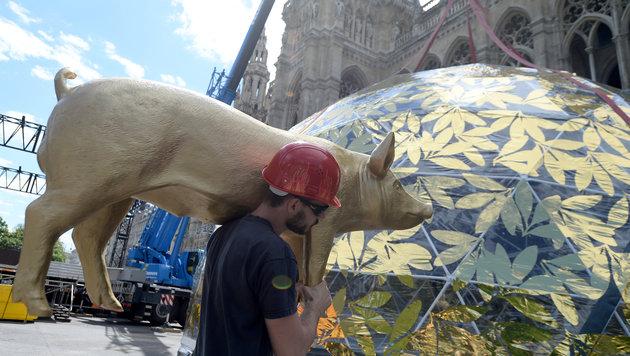 Unter der goldenen Kuppel der Wiener Sezession will der Life Ball ein Zeichen für Toleranz setzen. (Bild: APA/ROLAND SCHLAGER)