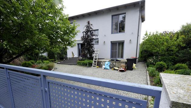 Der Besitzer dieses Hauses schoss einem Einbrecher in den Kopf. (Bild: APA/HERBERT PFARRHOFER)