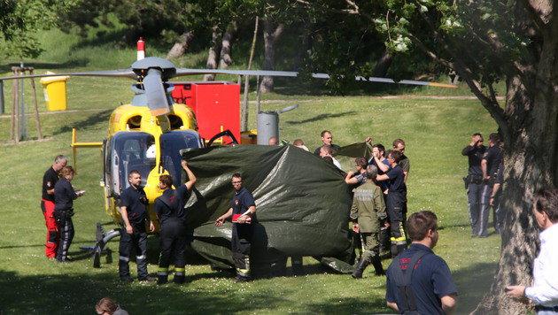 """Mit dem Helikopter wurde der Verunfallte ins Spital geflogen, wo er verstarb. (Bild: """"Krone""""-Leserreporter Anita Lang)"""