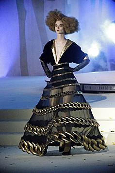 Die Modenschau von Jean Paul Gaultier (Bild: Klemens Groh)