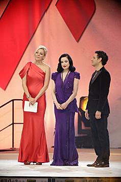 Nadja Swarovski, Dita Von Teese und Juan Diego Flórez (Bild: Klemens Groh)
