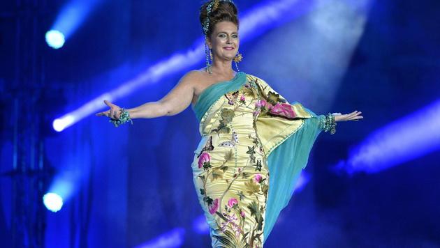 Francesca Habsburg während der Fashion Show von Jean Paul Gaultier (Bild: APA/HERBERT NEUBAUER)