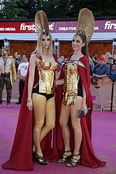 Zwei goldene Amazonen (Bild: Klemens Groh)
