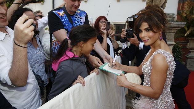 Auch Paula Abdul nimmt sich Zeit für ihre Fans. (Bild: Martin A. Jöchl)