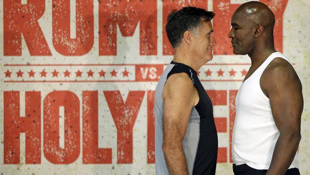 """Sogar beim obligatorischen """"Face-off"""" machte Romney eine gute Figur. (Bild: AP)"""