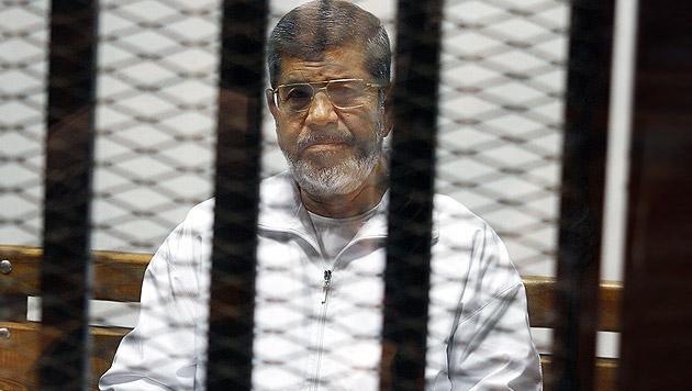 Todesstrafe gegen Ex-Präsident Mursi aufgehoben (Bild: AP)