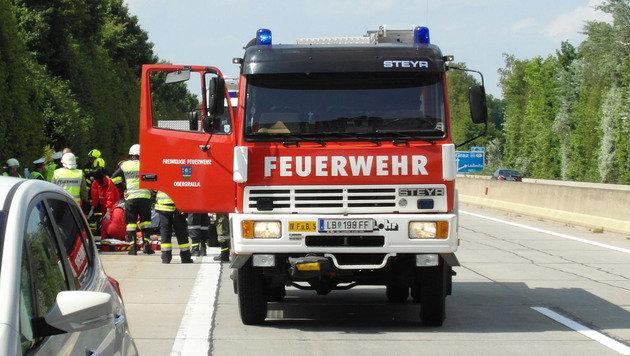 2 Tote und 3 Schwerverletzte bei Unfall auf A9 (Bild: Feuerwehr Obergralla)