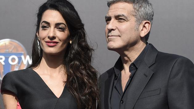 Amal und George Clooney (Bild: Chris Pizzello/Invision/AP)