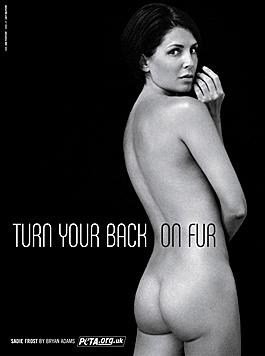 Jude Laws Ex-Frau zeigte Pelzen die kalte Schulter - und den nackten Po. (Bild: peta.ort)