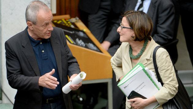 Pilz und Mikl-Leitner (Bild: APA/ROLAND SCHLAGER)